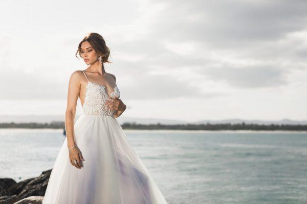 beauty-bride-elegant-2122361.jpg